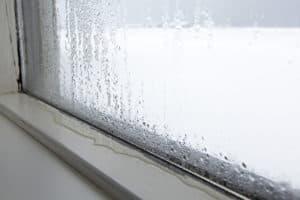 Ein Luftentfeuchter schafft Abhilfe bei beschlagenen Fenstern