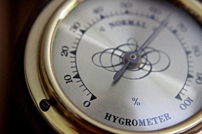 Relative Luftfeuchte mit einem Hygrometer messen